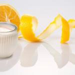 Dưỡng trắng da bằng sữa tươi và cam