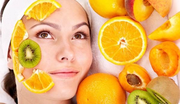 Tẩy trang bằng cam